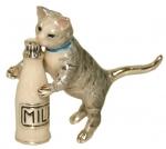 Кошка с бутылкой ST439S