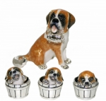 Cенбернар и три щенка в боченках.